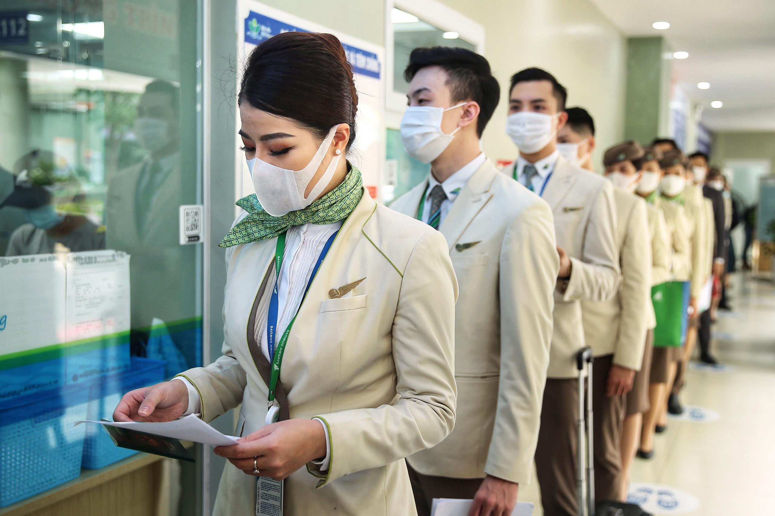 Hàng nghìn cán bộ nhân viên Bamboo Airways tiêm vaccine phòng Covid-19