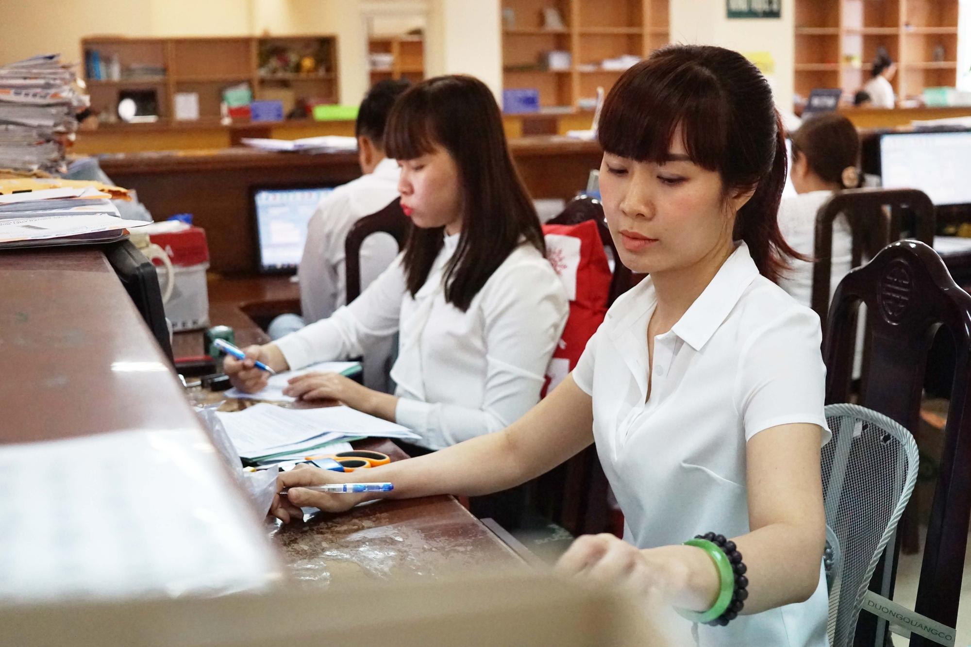 Năm 2022, biên chế công chức hưởng lương ngân sách tăng hơn 7.000 người