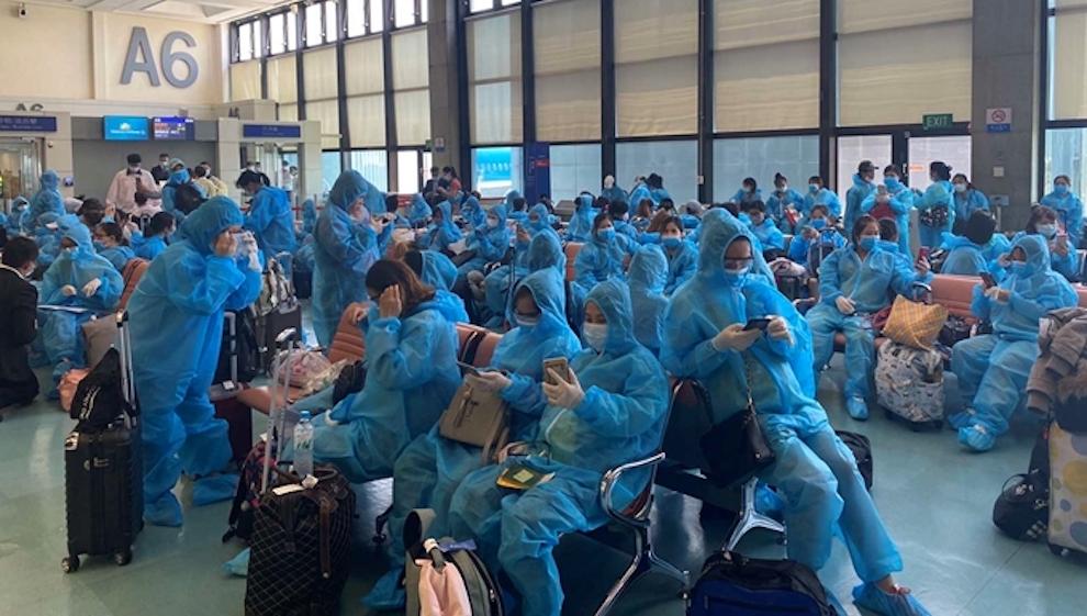 Mở lại đường bay quốc tế, Cục Hàng không yêu cầu chỉ bán vé cho người có xét nghiệm âm tính