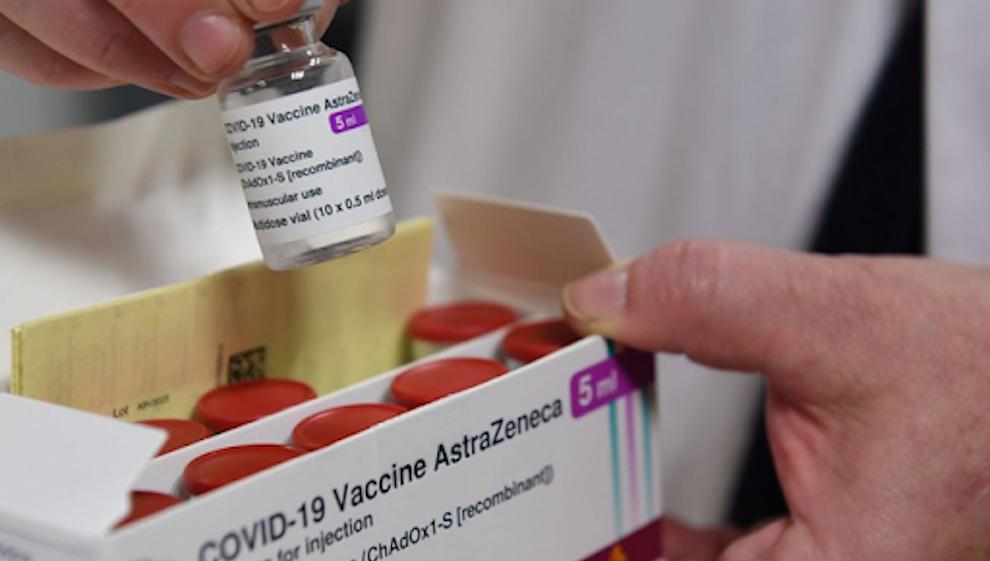 Lô vaccine COVID-19 đầu tiên đã về Việt Nam
