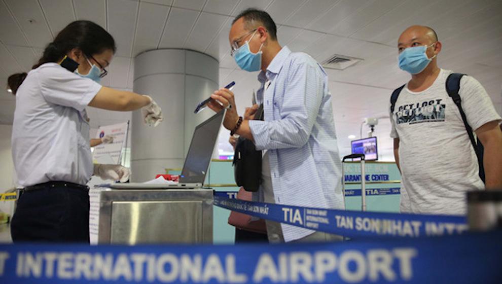 Nghiên cứu cho phép người nước ngoài đã tiêm vaccine nhập cảnh vào Việt Nam