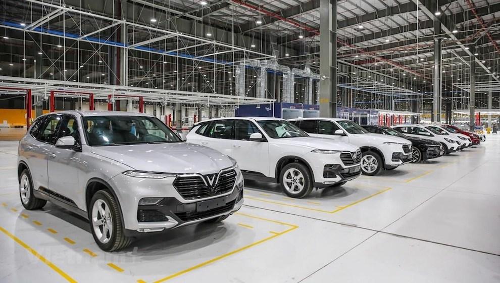 Doanh số ô tô tháng 5/2021: Cả thị trường giảm chỉ VinFast và Suzuki tăng trưởng