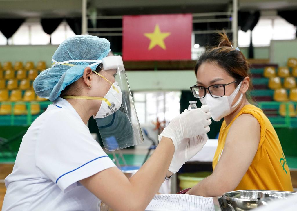 Địa phương nào đang dẫn đầu cả nước về tỷ lệ tiêm vaccine phòng COVID-19?