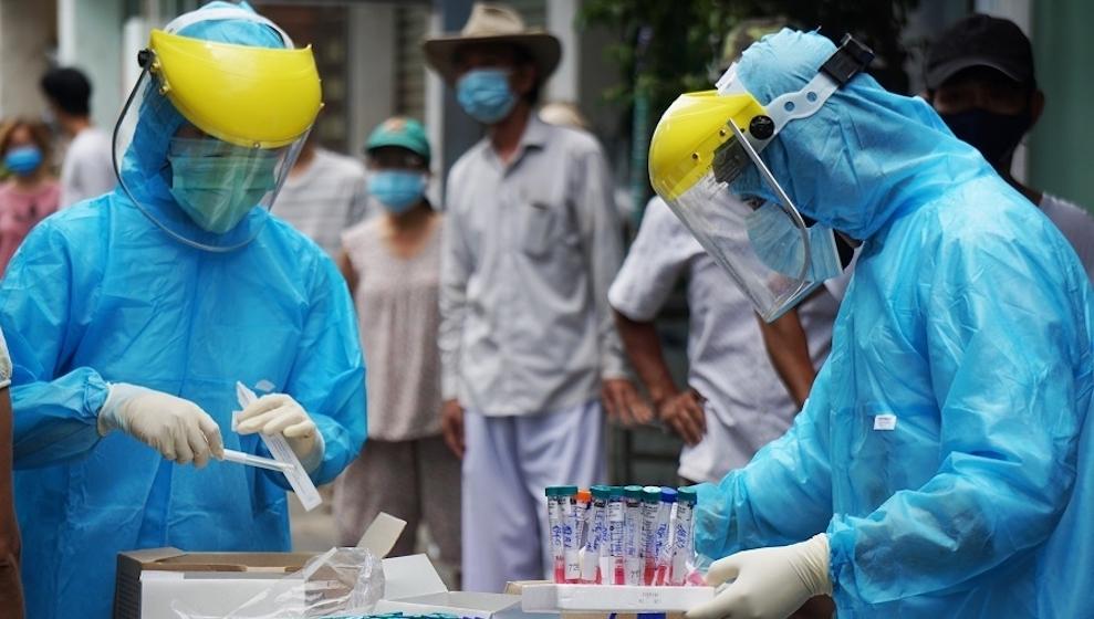 Việt Nam ghi nhận hơn 7.300 ca mắc COVID-19 trong ngày, tăng 1.100 ca so với hôm qua
