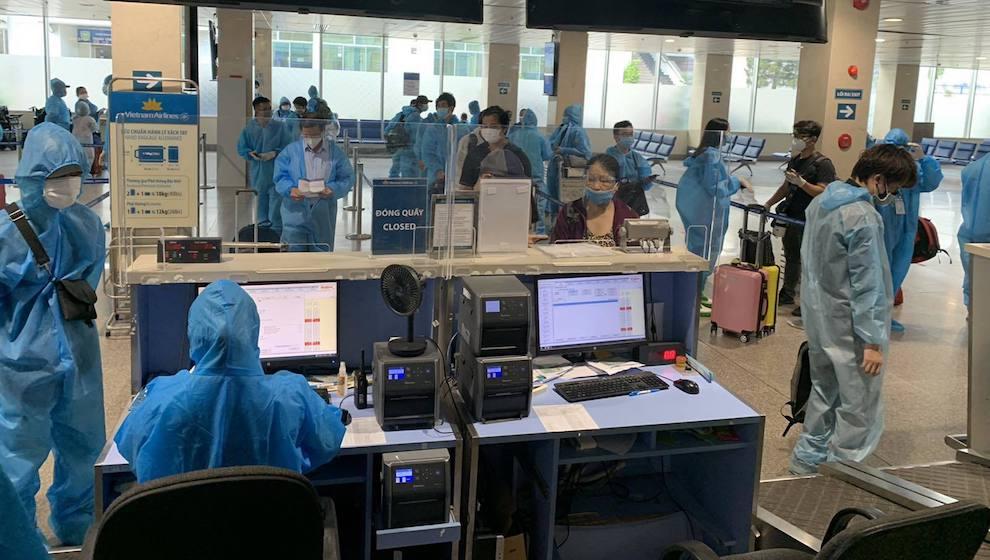 Siết chặt toàn bộ chuyến bay từ địa phương giãn cách xã hội đến Nội Bài, hành khách phải có giấy xét nghiệm âm tính