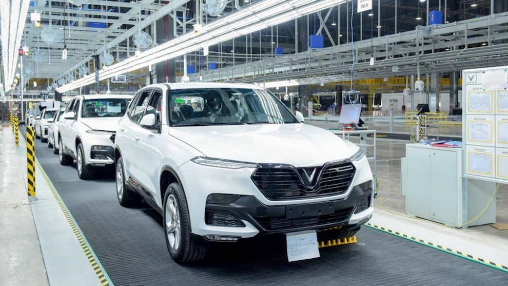 Sụt giảm liên tiếp 5 tháng, doanh số bán ô tô thấp kỷ lục