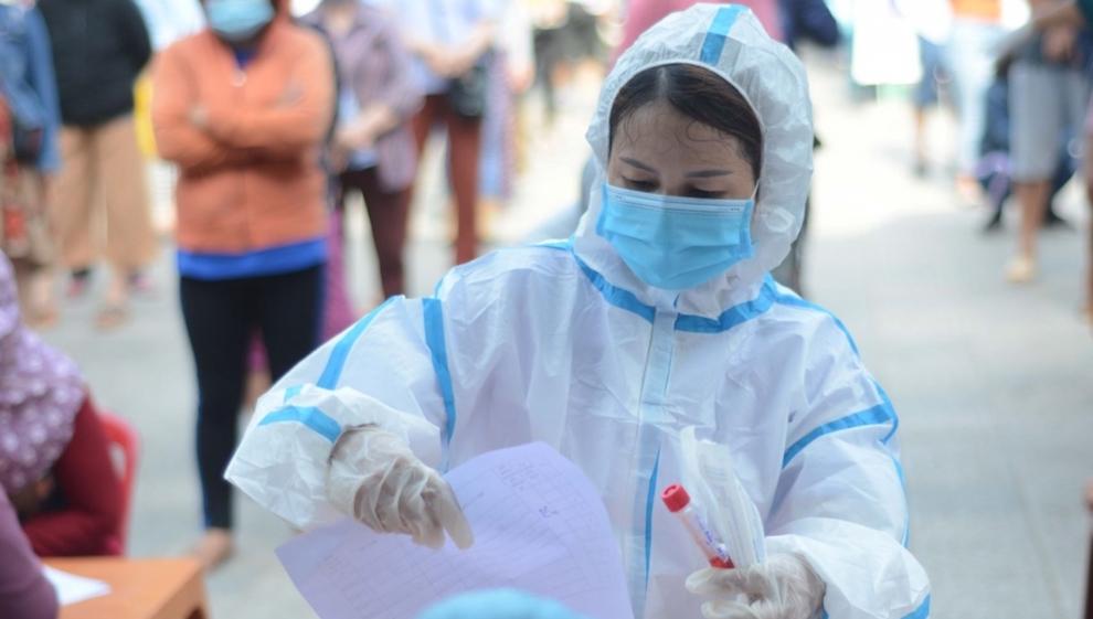 Hà Nội ghi nhận thêm 19 ca, trong đó có 3 nhân viên y tế