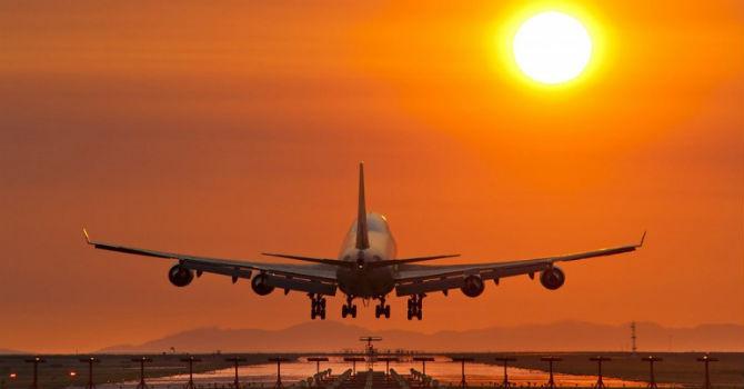 Ẩn số hạ tầng và giấy phép nhìn từ câu chuyện Vinpearl Air