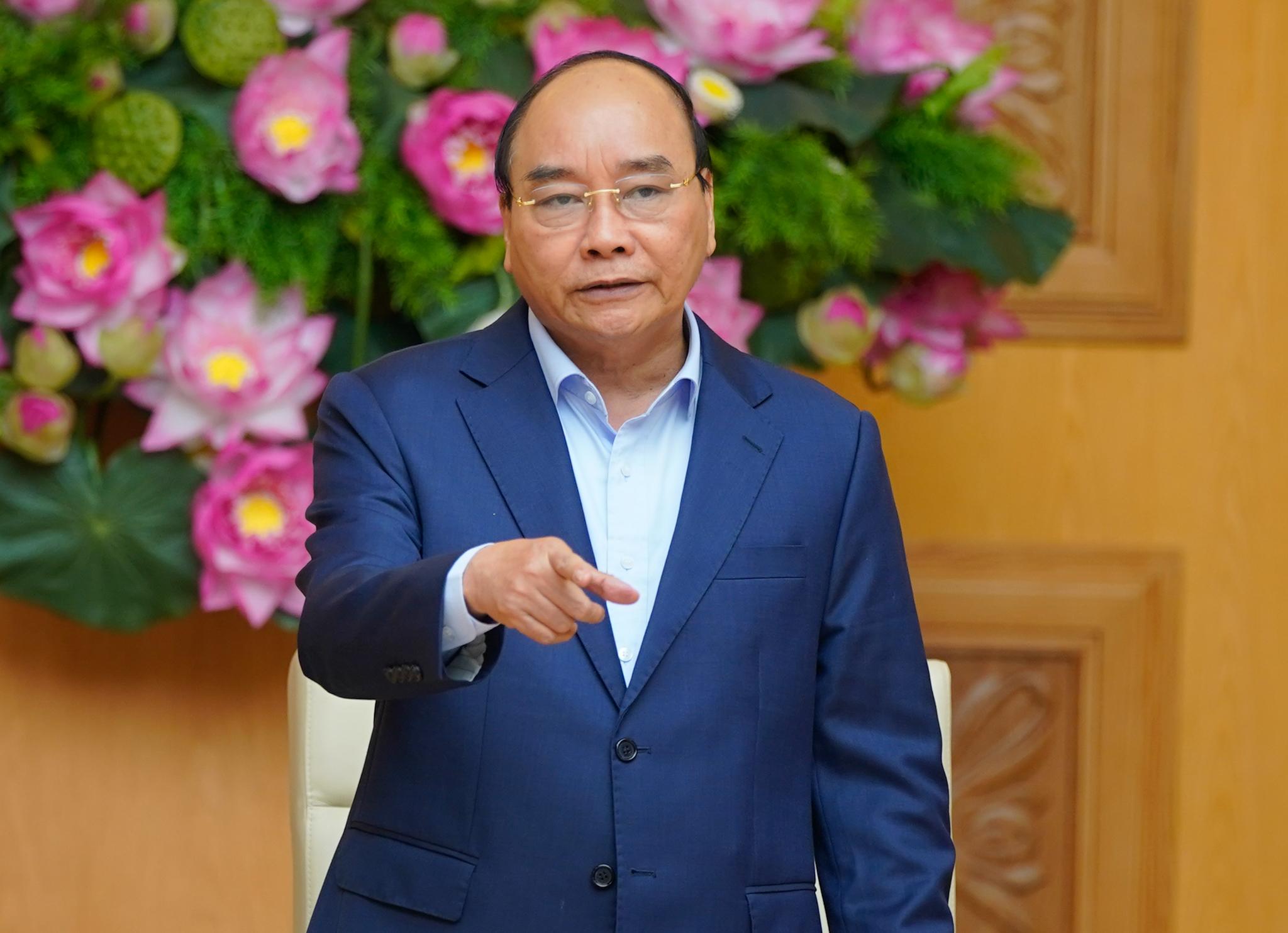"""Thủ tướng Nguyễn Xuân Phúc: """"Chống suy thoái như chống giặc"""""""