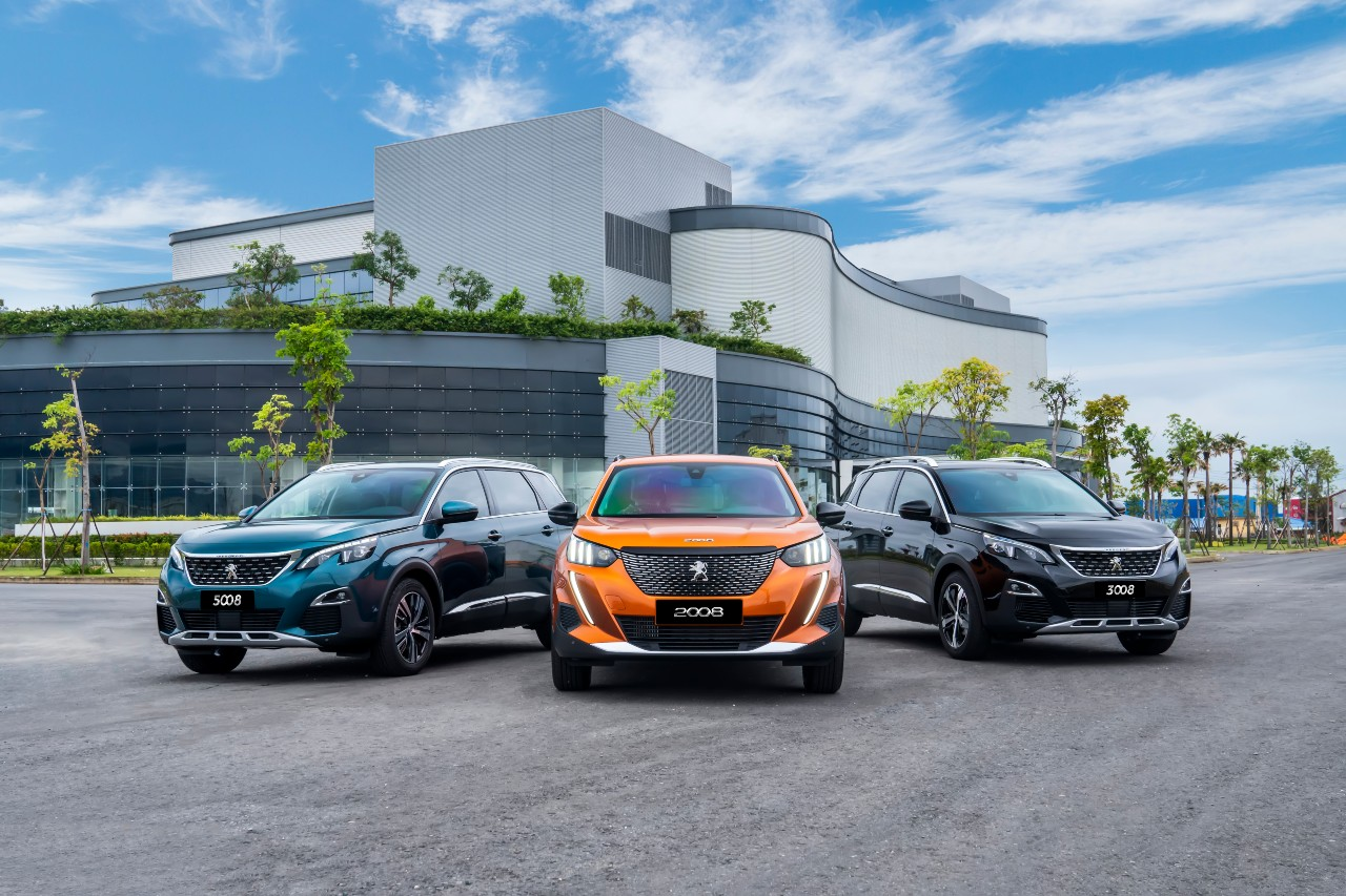 """Peugeot tạo """"cú hích"""" cuối năm, giao xe trước thềm năm mới"""