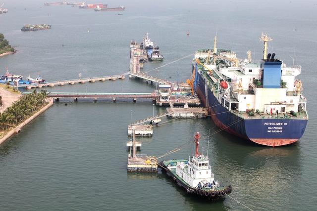Rút giấy phép nhiều doanh nghiệp xăng dầu sai phạm, đề xuất bỏ hạn mức nhập khẩu
