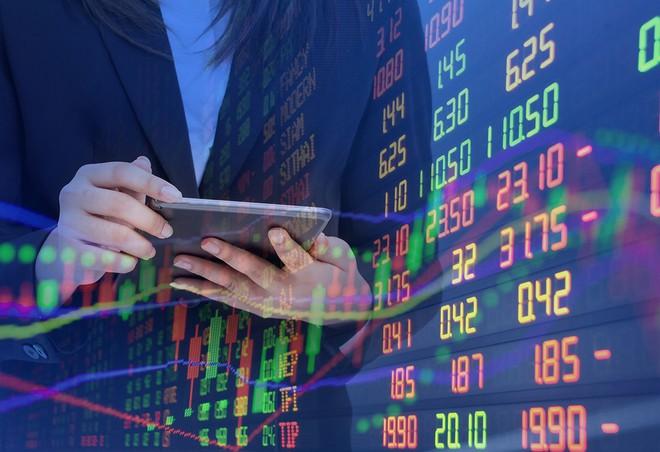 Lãi suất tiết kiệm giảm, vàng chênh nhiều so với thế giới khiến chứng khoán càng trở nên hấp dẫn