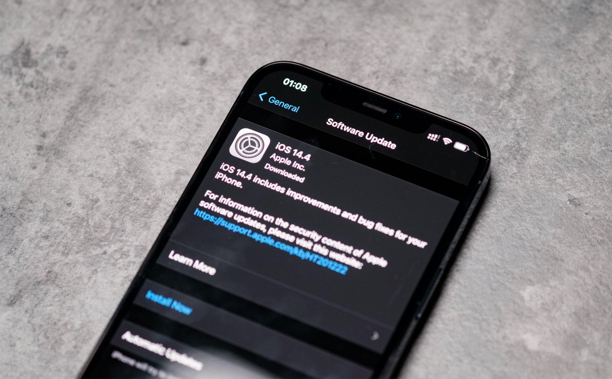 Tại sao Apple khuyến cáo người dùng iPhone cập nhật iOS 14.4?