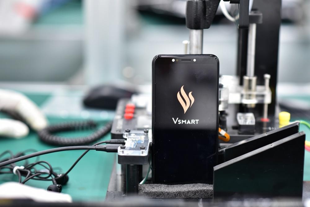 """Sau 3 mẫu """"mở hàng"""", VinSmart sẵn sàng bán tiếp 7 mẫu điện thoại khác ở Mỹ"""