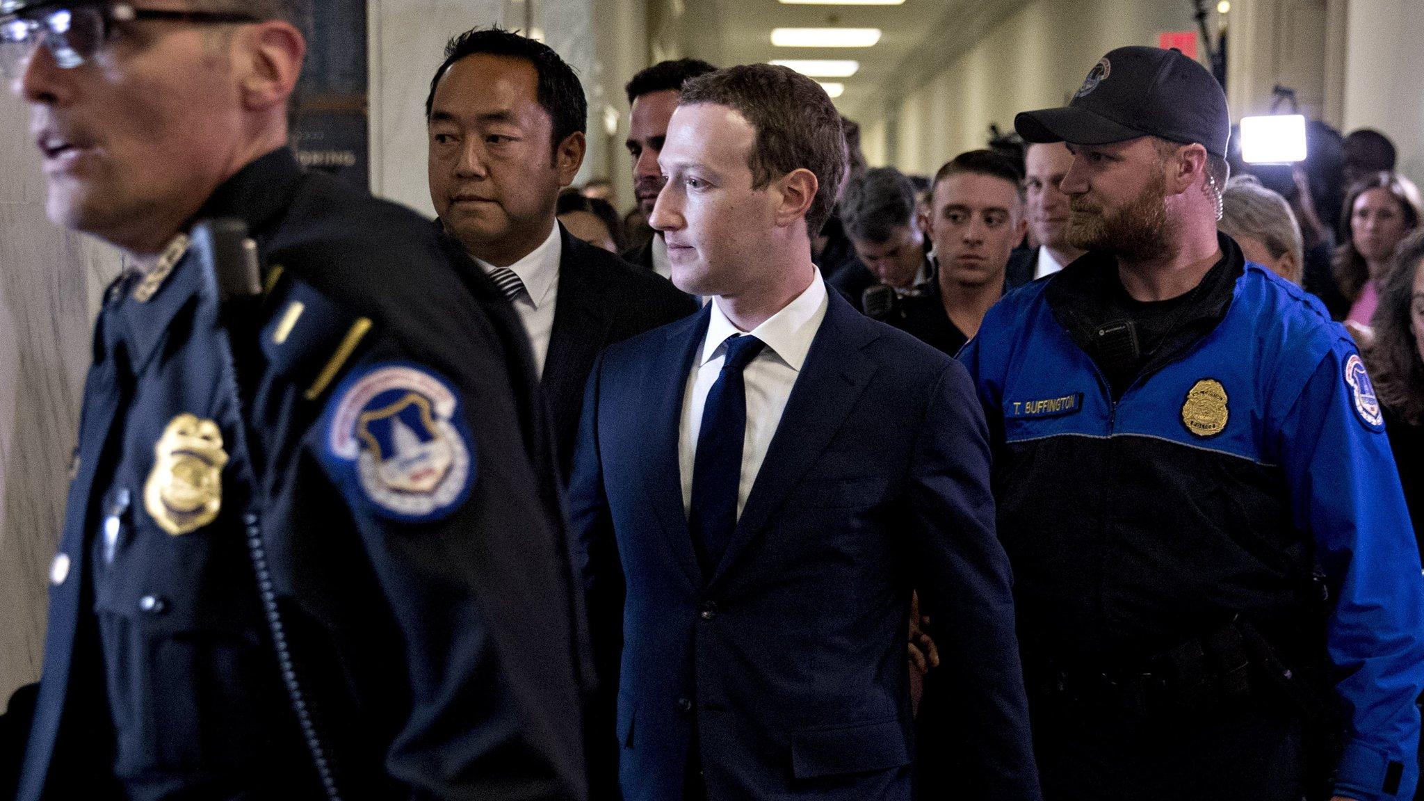 Facebook chi 23 triệu USD để bảo vệ Mark Zuckerberg