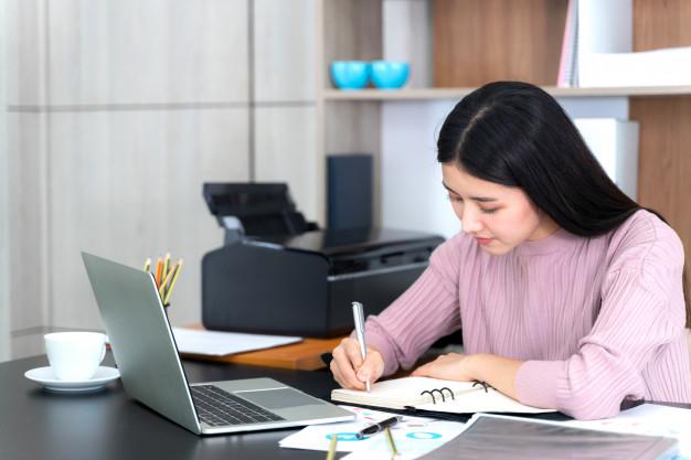 Các tiêu chí chọn mua laptop, máy tính bảng học online