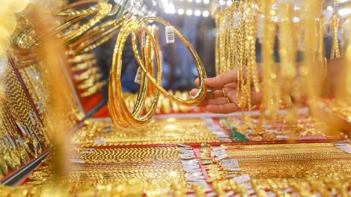 Sát ngày Vía Thần tài, chênh lệch giá mua – bán vàng ngày càng doãng rộng