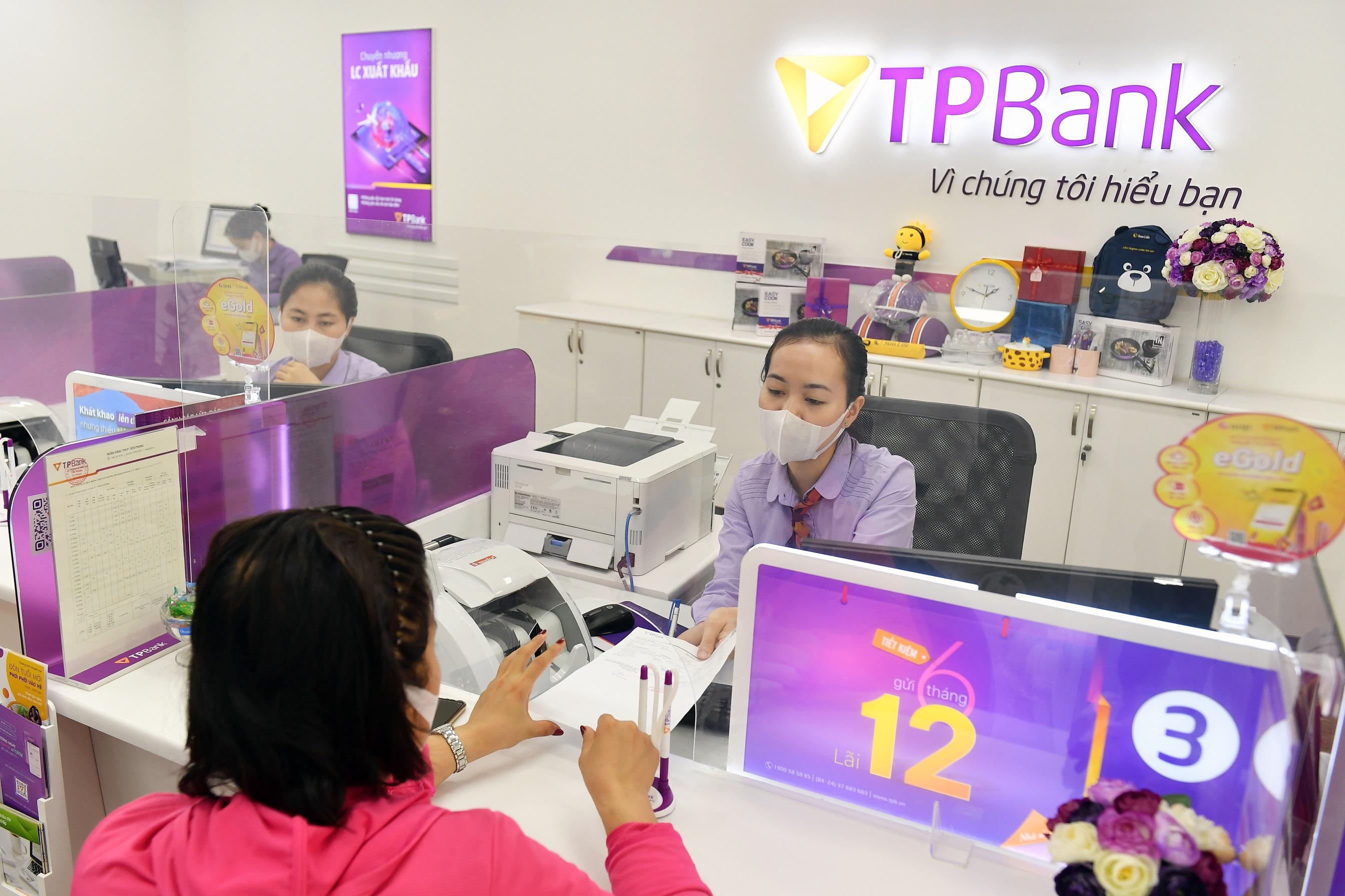 Đồng thuận giảm lãi suất cho vay trong tháng 7, TPBank chia sẻ khó khăn cùng khách hàng