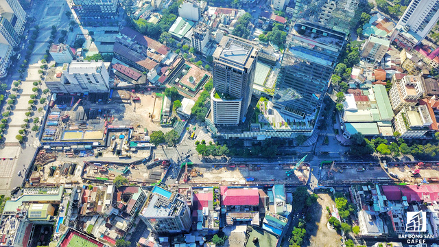 Khu vực tập trung nhiều khu đất vàng nhất của Sài Gòn, tuy nhiên nhìn từ trên cao vẫn còn một số khu chưa triển khai dự án