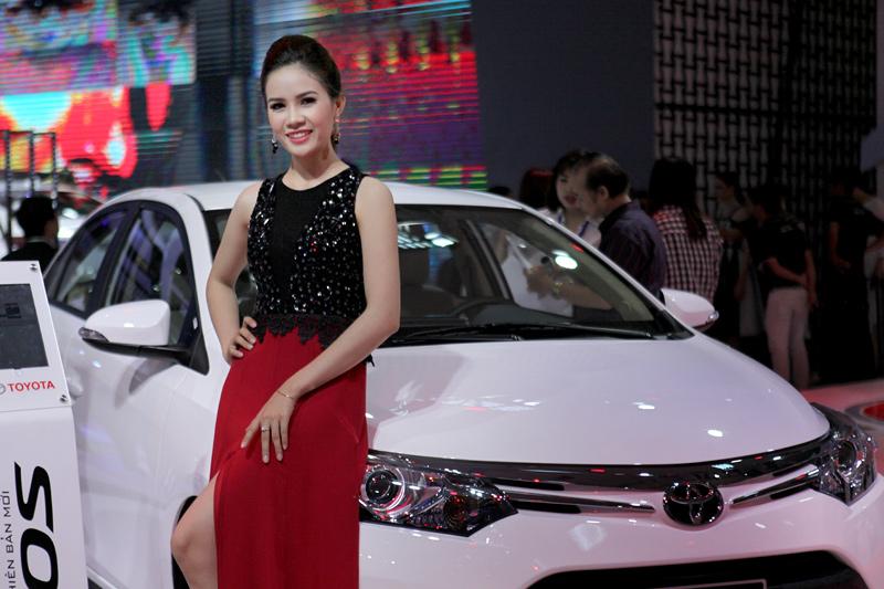 ô tô trong nước,ô tô nhập khẩu,thuế nhập khẩu ô tô,ô tô giảm giá,ô tô đại hạ giá,linh kiện ô tô,nội địa hóa,sản xuất lắp ráp ô tô