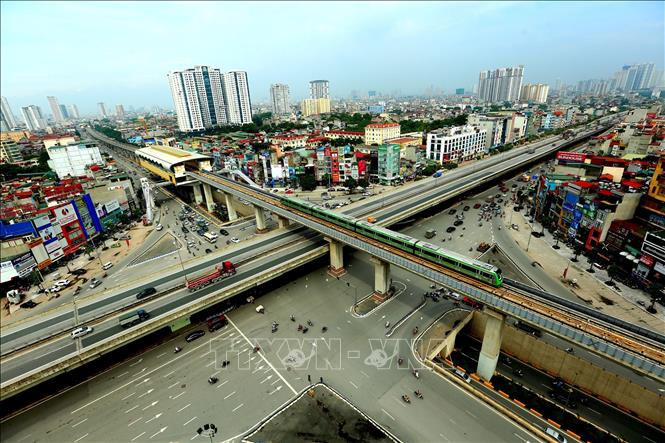 Các dự án đường sắt đô thị đội vốn ngàn tỷ, vì sao?