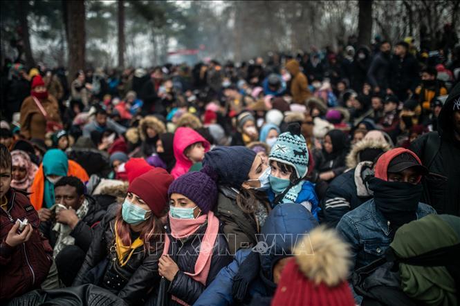 Người di cư tràn qua biên giới Thổ Nhĩ Kỳ, EU triệu tập họp khẩn