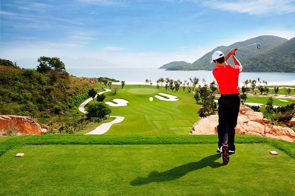 Xin ý kiến 2 bộ xây sân golf quốc tế 170ha ven sông Đuống